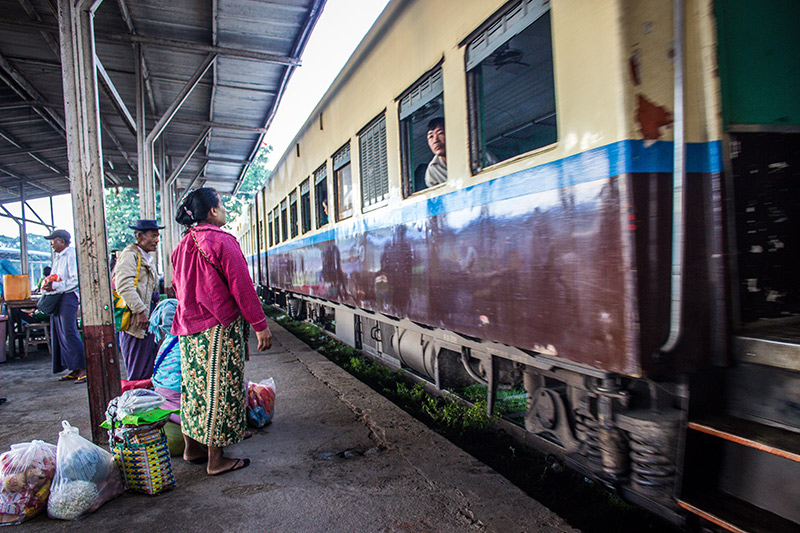 7am Train Thazi Rail Station to Kalaw